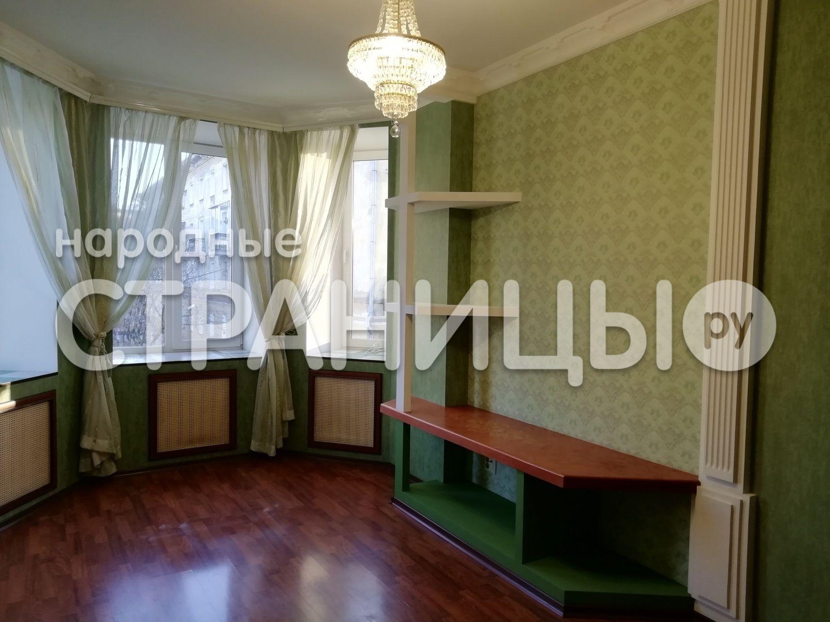 2-комнатная квартира, 52.6 м²,  3/4 эт. Кирпичный дом
