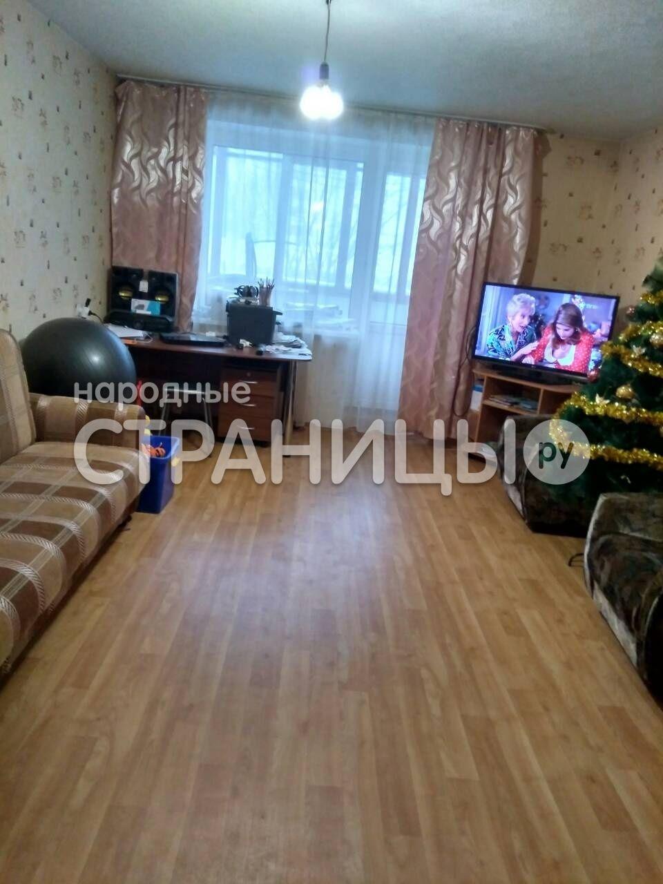 2-комнатная квартира, 60.0 м²,  2/5 эт. Кирпичный дом, Вторичное жилье