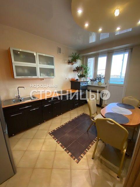 3-комнатная квартира, 83.0 м²,  10/10 эт. Кирпичный дом